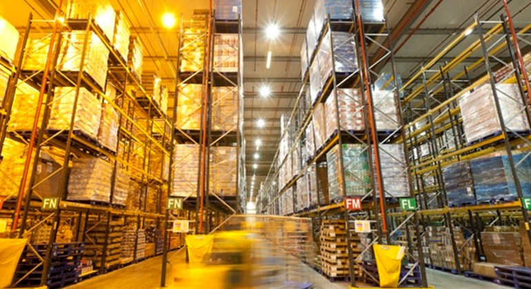 tesco-warehouse-efficient-led-lighting